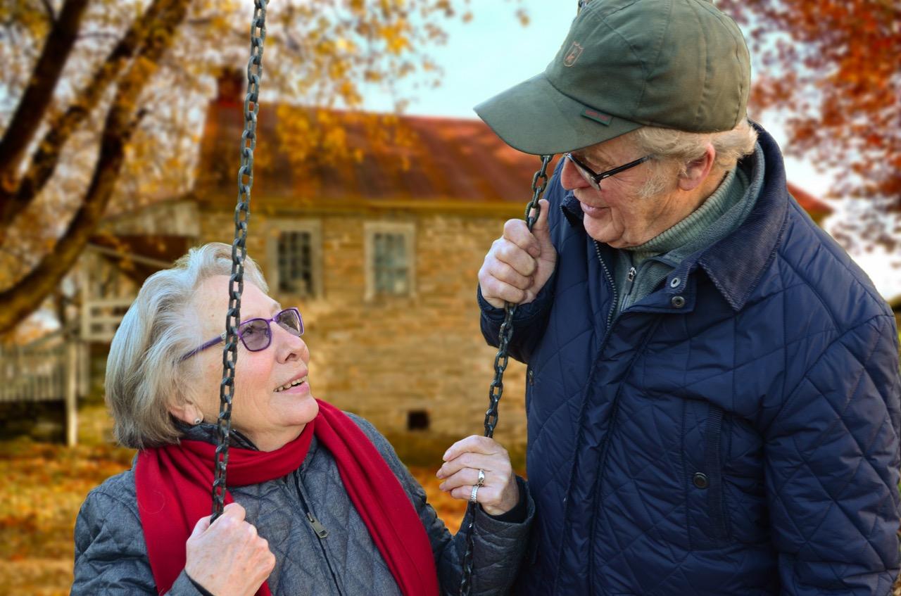 65歳以上の高齢者のSNS利用が増えている